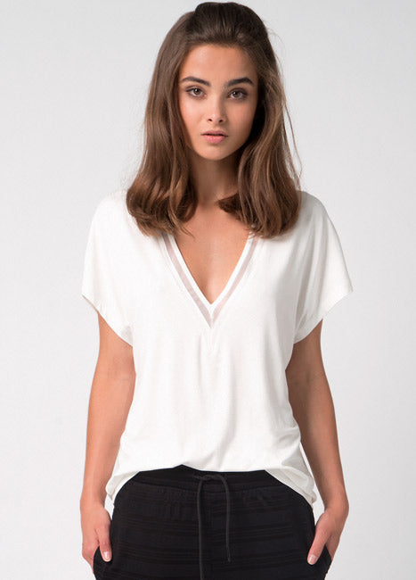 IC JOY -V Tulle cream T-shirt