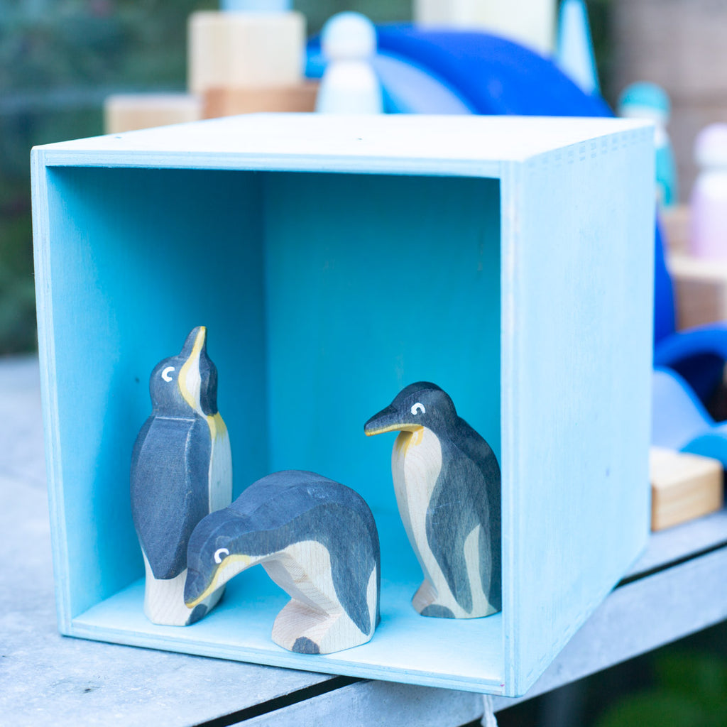 Grimm's pastel box with Ostheimer penguins