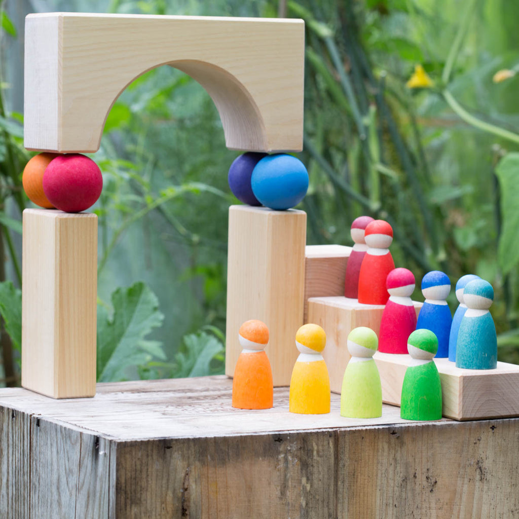 Grimm's rainbow friends and giant building blocks