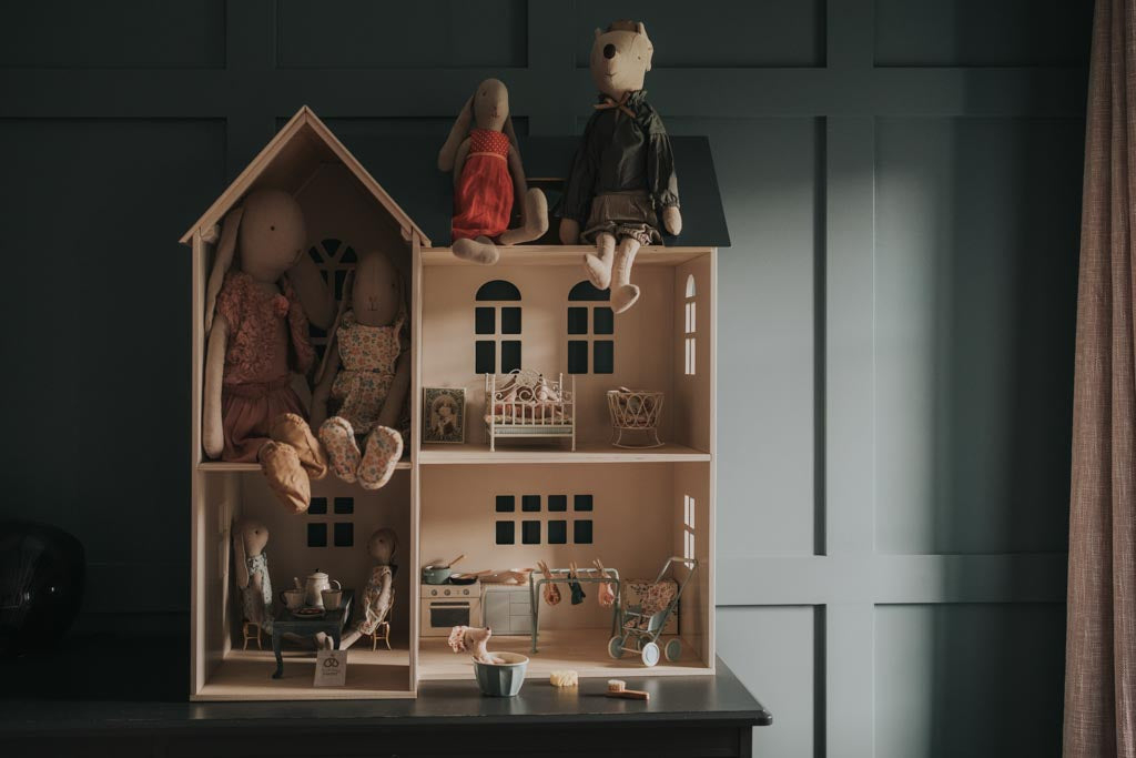 Maileg doll's house with bunnies and mice