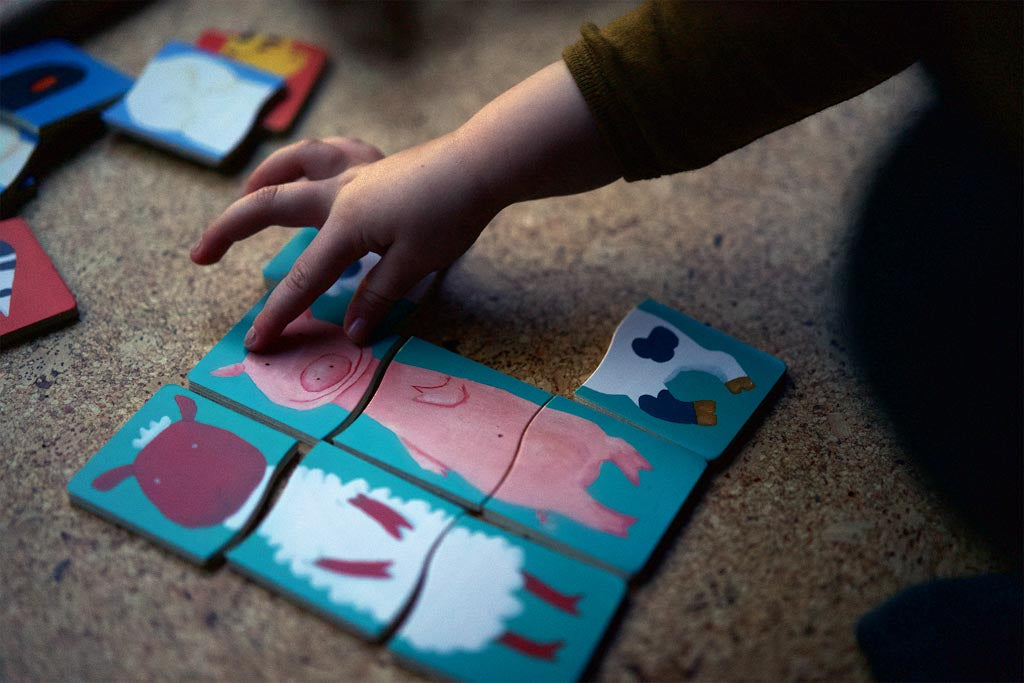 Simple puzzles without connectors are perfect for toddlers