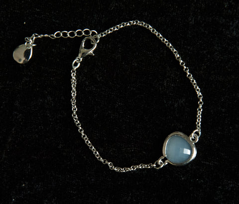 Delicate Chain Bracelet with Stone