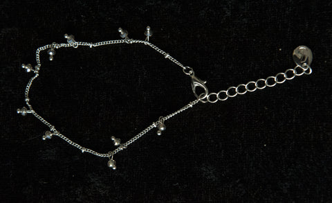 Delicate Chain Bracelet with Small Crystals