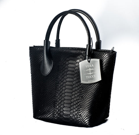 Elegant grained leather handbag