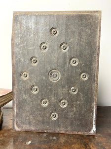 17th century Welsh oak panel with bullseye decoration (2 of 2)