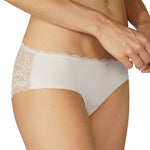 Amorous Lace Hipster Brief