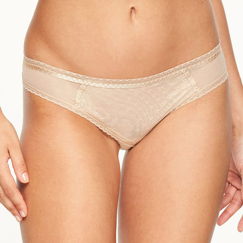 Chantelle Courcelles sexy brief nude