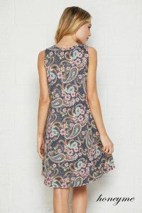 Don't Worry Be Happy Charcoal and Coral Print Sleeveless Swing Dress with Pockets - Essentially Elegant