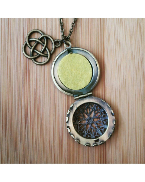 Celtic Knot Inspired Essential Oil Aromatherapy Diffuser Necklace: Choose Antique Bronze, Shiny Silver, or Platinum/Matter Silver Color C024 - Essentially Elegant
