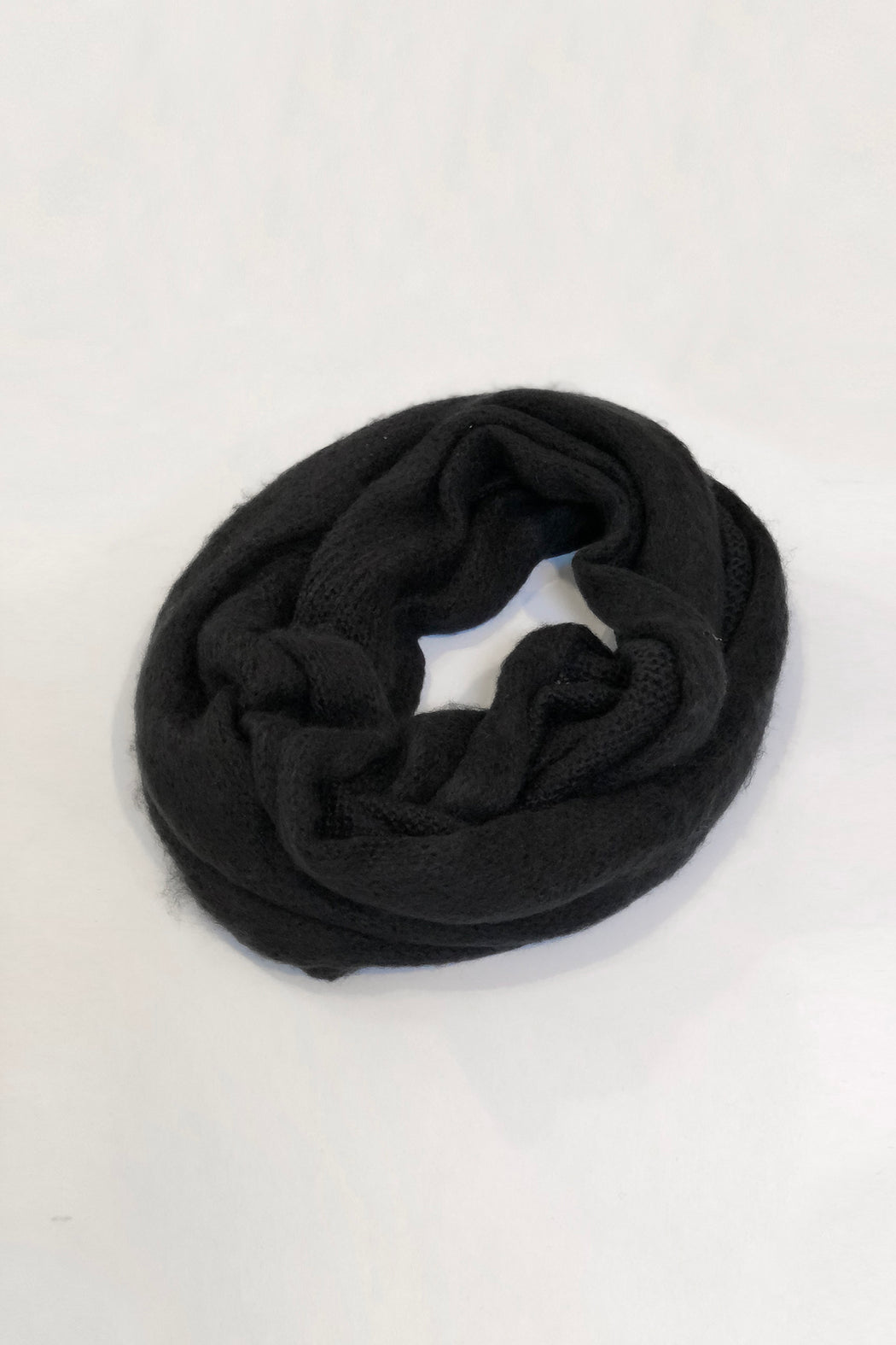 Classic Knit Infinity Scarf | Black