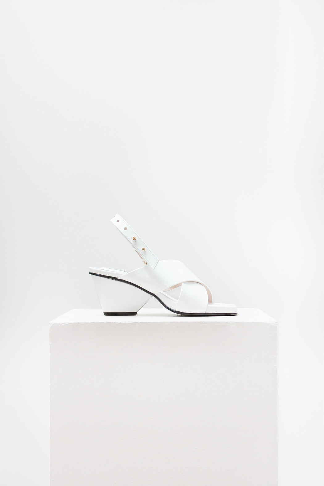 Reike Nen Shoes | X Middle Slingback Wedge White Patent | Hazel & Rose