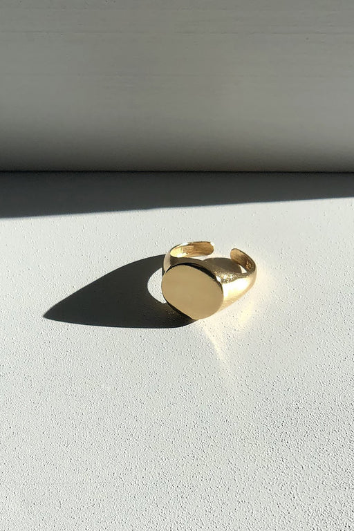 Maslo Jewelry | Round Signet Ring | Hazel & Rose | Minneapolis