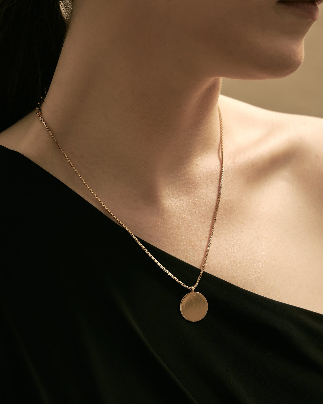 Maslo Jewelry | Round Pendant Necklace | Hazel & Rose | Minneapolis