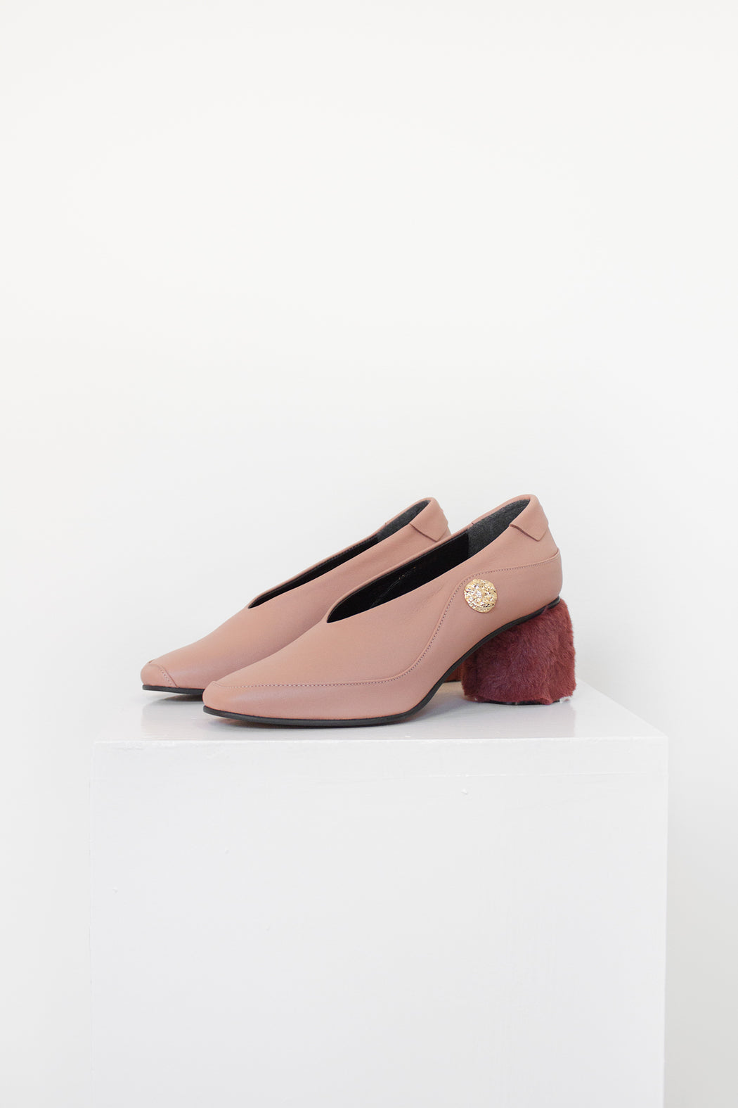 Reike Nen Shoes | Curved Pumps with faux fur heel | Hazel & Rose