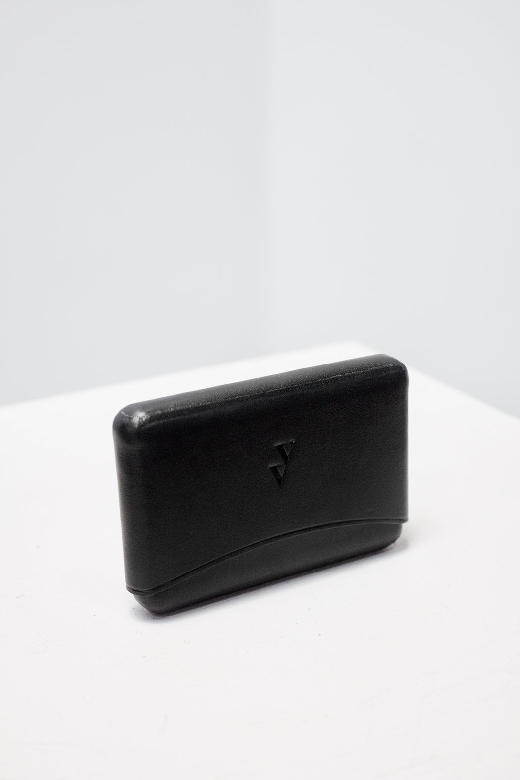 Vere Verto | Brev Gender Neutral Card Holder Black | Hazel & Rose