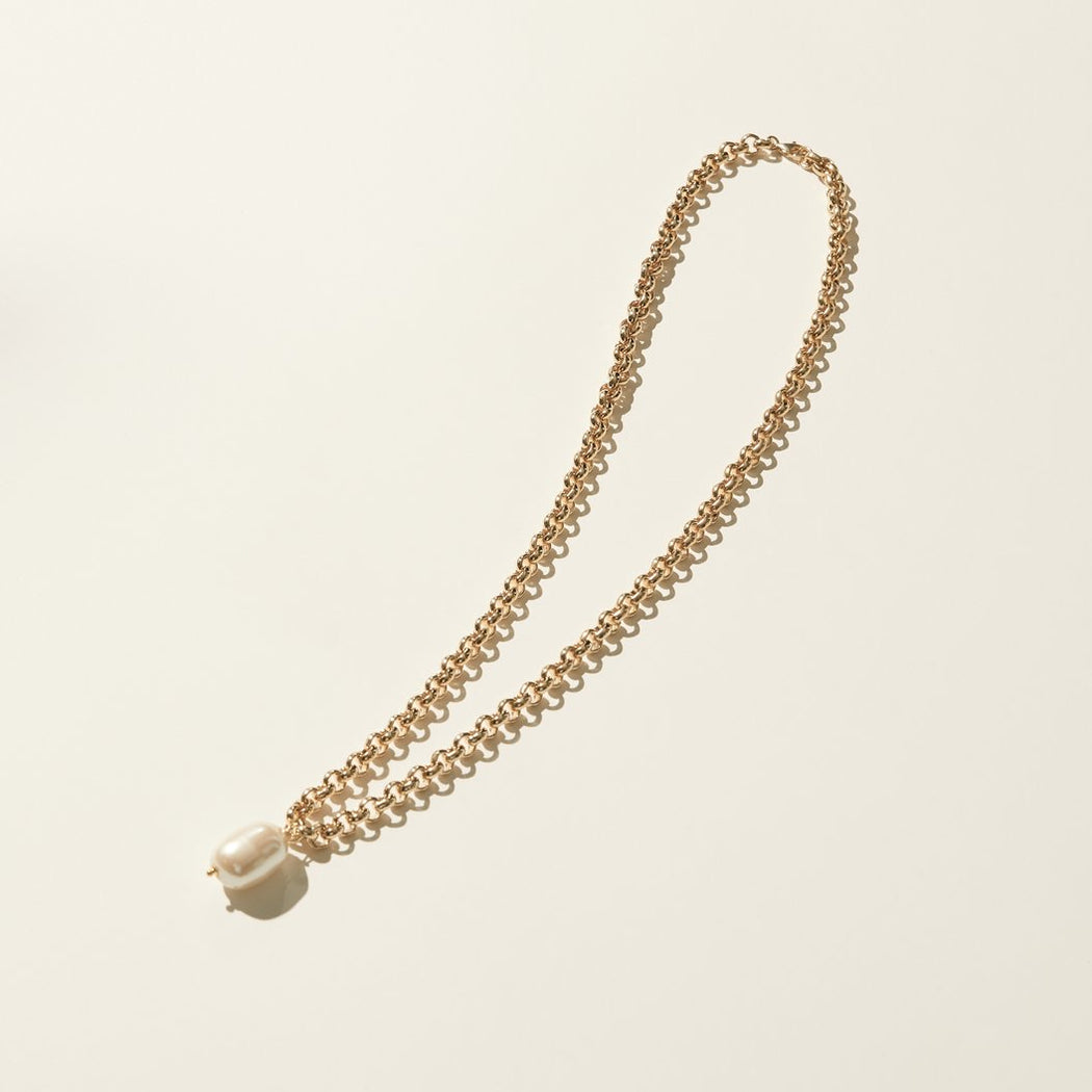 Maslo Jewelry | Rolo Pearl Necklace | Hazel & Rose | Minneapolis