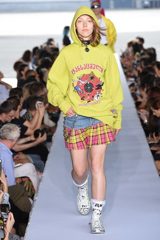 Vetements sudadera Desfile