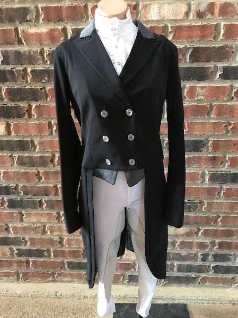 Animo Lageo Custom Tailcoat in Black IT 46