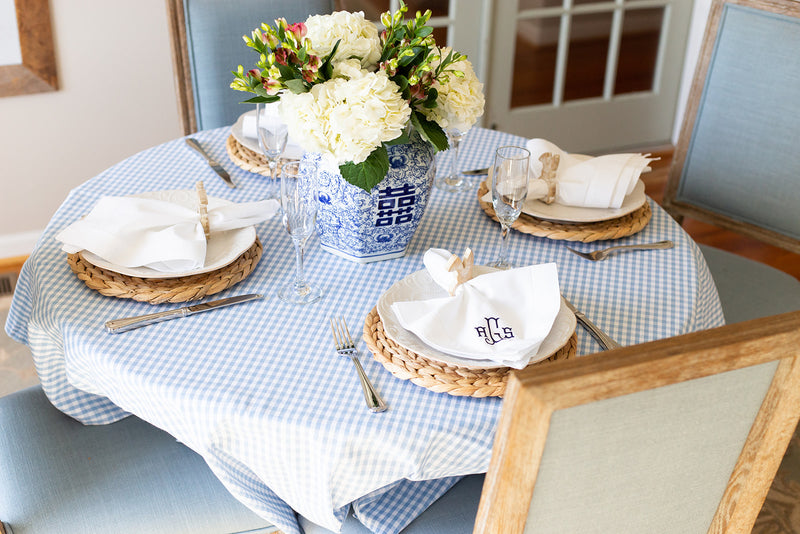 Blue and White Chinoiserie Tablescape