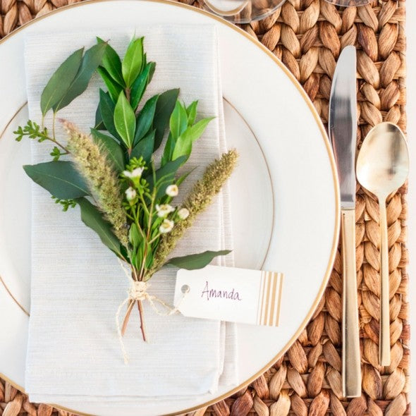 Holiday berry natural place card setting idea