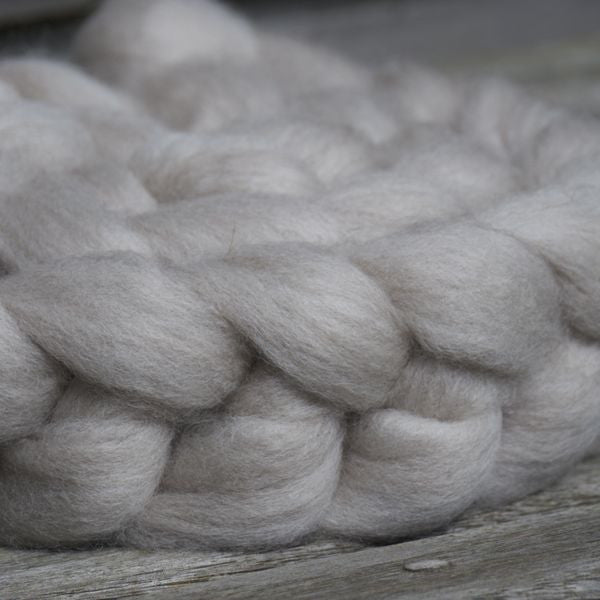 Haunui NZ Halfbred spinning fibre/fiber100g - Light Grey