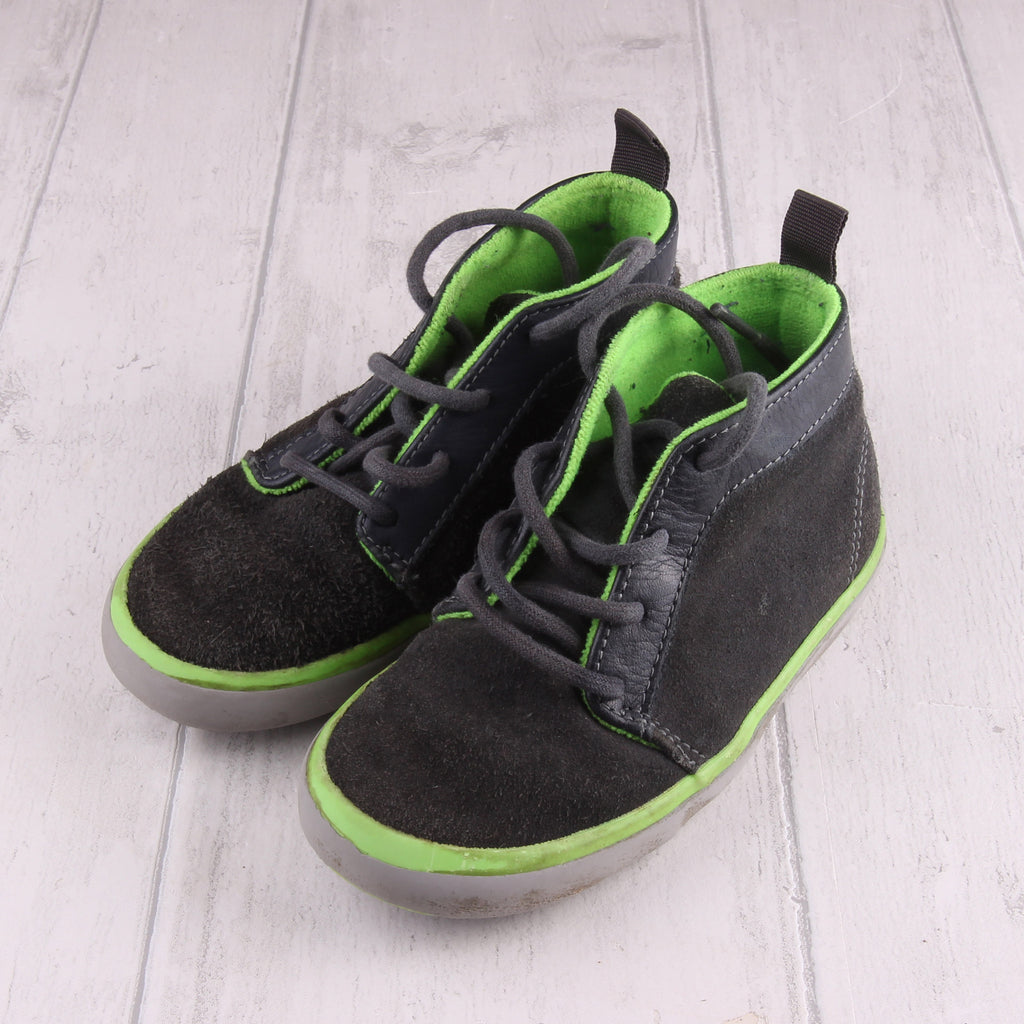 Next Suede style shoe Size 8 Boys