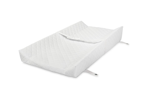 M5372,Elevated Tilt Non-Toxic Contour Changing Pad with Non-Slip Surface