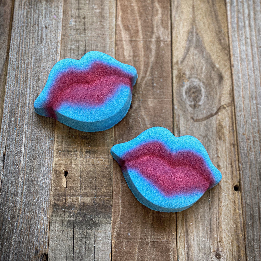 Foaming Bath Bomb - Caribbean Coconut Lips