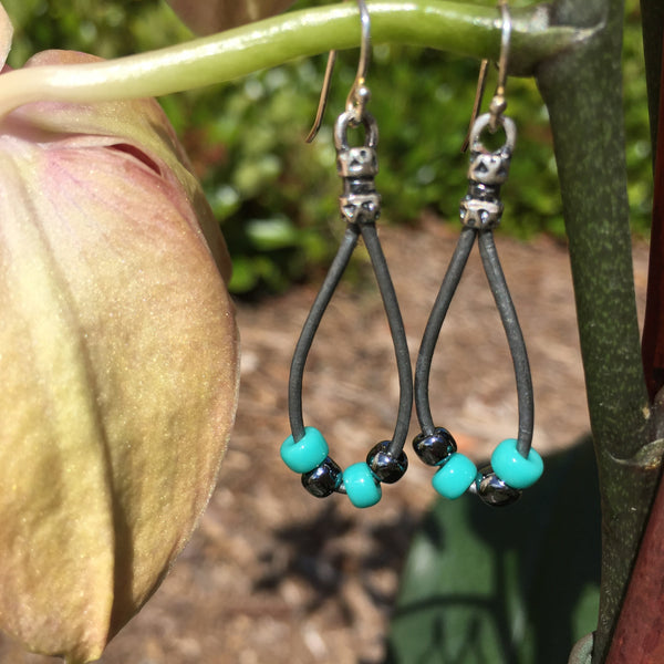 Leather Teardrop Earrings - Silver with Turquoise Seed Beads