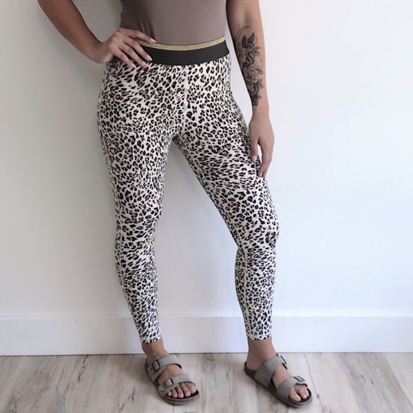 Snow Jaguar Highwaist Legging • 2495