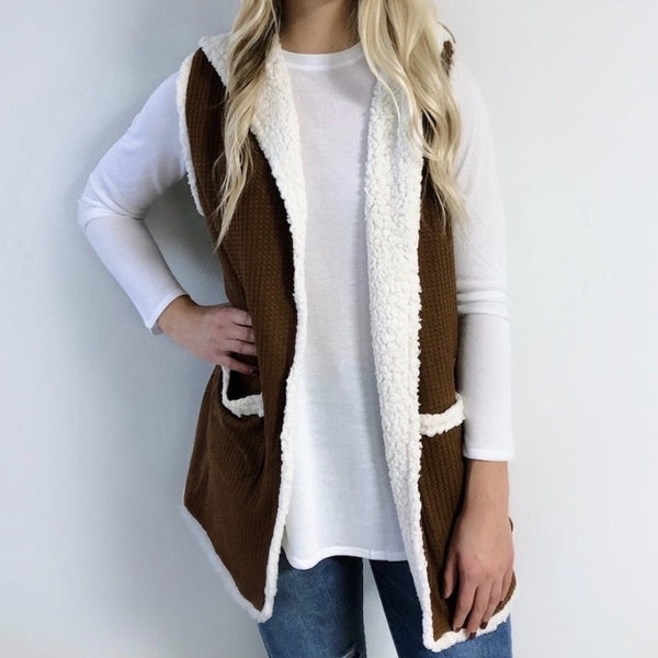 Hooded Sherpa Vest • Camel