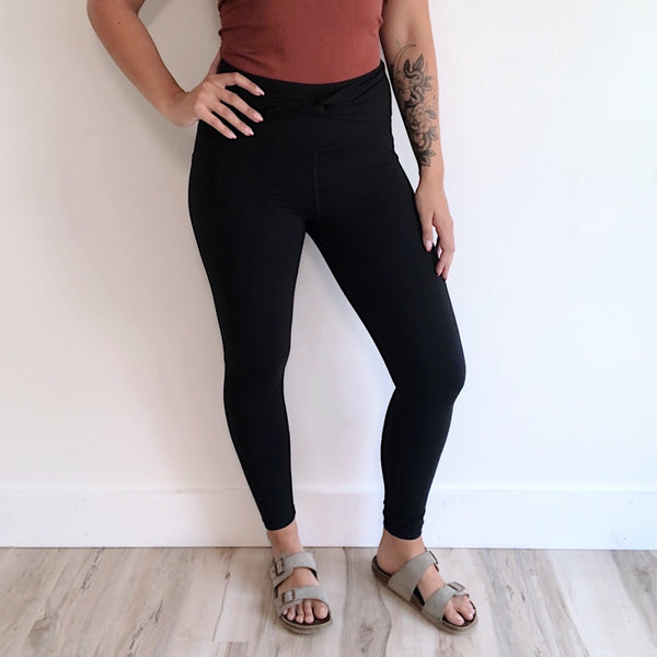 Twist Accent Highwaist Legging • 2869