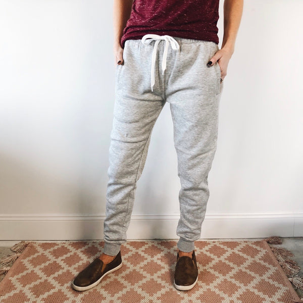 Essential Fleece Jogger • Gray