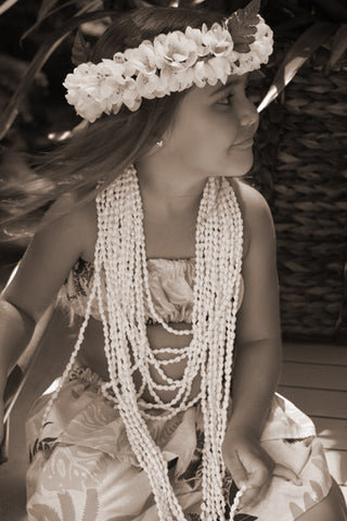 Black And White Hula Girl - Hawaiipictures.com