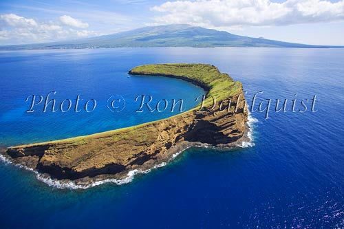 A new island forming off the coast of Maui, Hawaii - Hawaiipictures.com