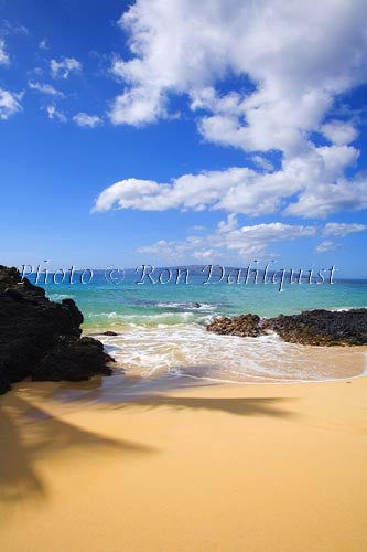 Beautiful Secret Beach in Makena, Maui, Hawaii Picture - Hawaiipictures.com