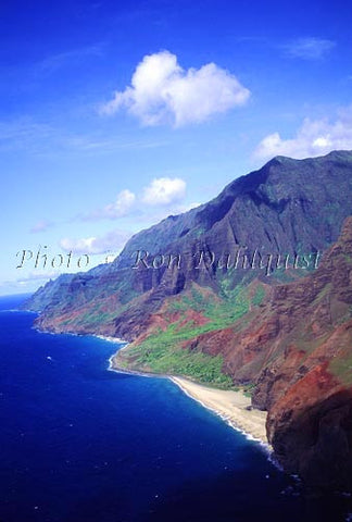 Aerial view of the Na Pali cliffs, Kauai, Hawaii - Hawaiipictures.com