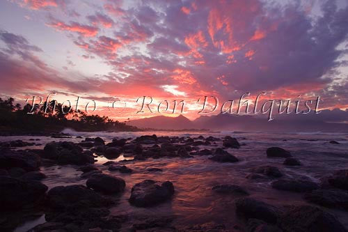 Sunset on the north shore of Maui, Hawaii