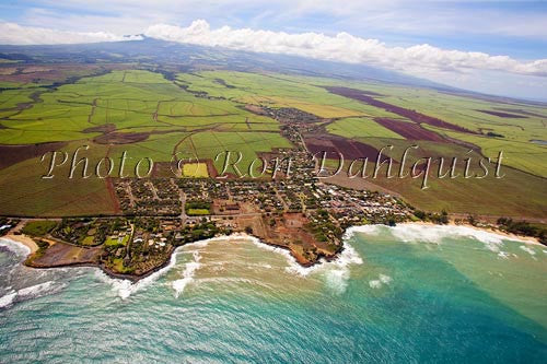 Aerial of Paia, Maui, Hawaii - Hawaiipictures.com