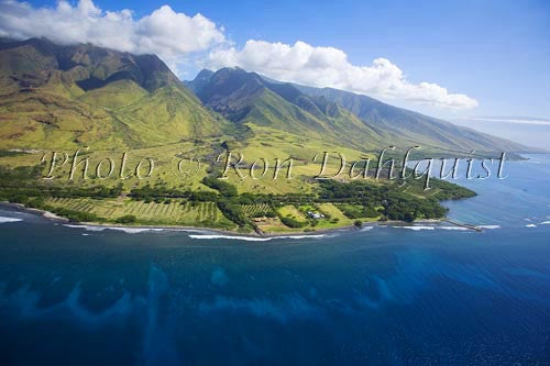 Aerial of Olowalu and West Maui Mountains, Maui, Hawaii - Hawaiipictures.com