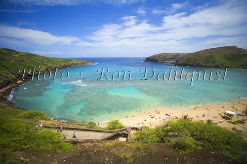 Famous snorkeling spot on Oahu, Hanauma Bay Picture Photo - Hawaiipictures.com