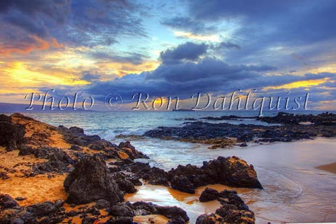 Sunset in Makena, Maui, Hawaii - Hawaiipictures.com