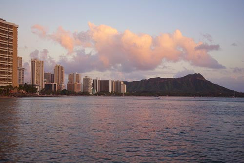 Waikiki skyline and Diamond Head at sunset, Oahu - Hawaiipictures.com