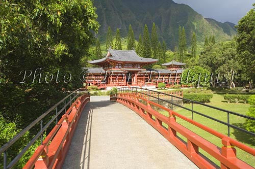 Byodo-In Temple, Valley of the Temples, Ahuimanu Valley, Kaneohe, Oahu, HI Picture Photo