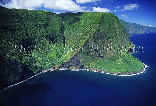 Aerial view of cliffs on north shore of Molokai, Hawaii - Hawaiipictures.com