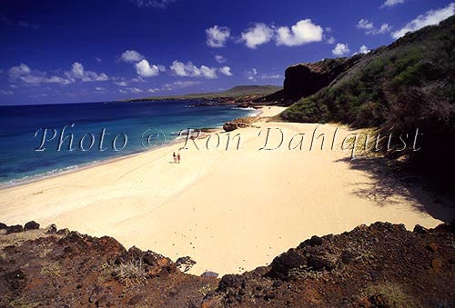 Couple walking on Make Horse beach, Molokai, Hawaii Picture