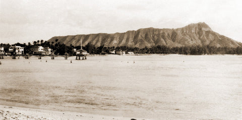 Black And White Picture Of Diamond Head And Waikiki 1925 - Hawaiipictures.com