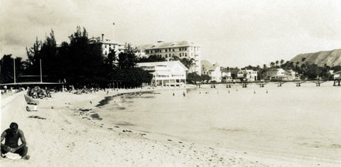 Black And White Picture Of Waikiki Beach In The 1920's - Hawaiipictures.com