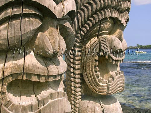 Replicas of wooden Gods at Puuhonua O Honaunau Picture