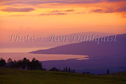 Upcountry Maui sunset, looking toward Maalaea, Hawaii Picture - Hawaiipictures.com